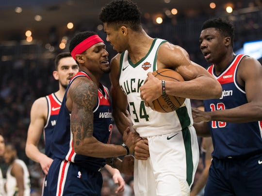 Bucks forward Giannis Antetokounmpo and Wizards guard