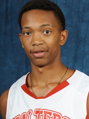 Walters State C.C. forward Alex Hicks committed to Auburn.