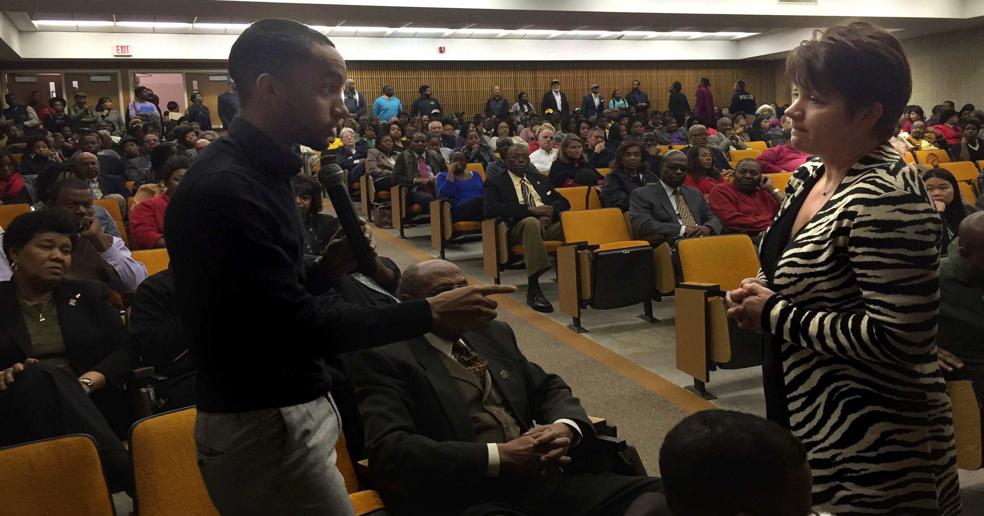 Woodley visits GSU to hear concerns over president