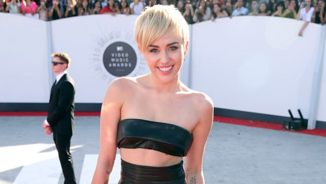 Miley Cyrus won the video of the year.
