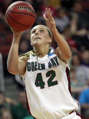 After a successful playing career, former Sheboygan North and UW-Green Bay standout Kayla Tetschlag is adjusting to being an assistant coach at NCAA Division II University of Sioux Falls.