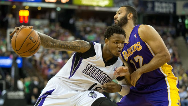 Sacramento Kings guard Ben McLemore (16) drives in against Los Angeles Lakers guard Kendall Marshall (12).