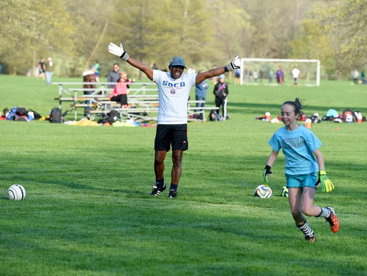 Pro Soccer Player leads clinic