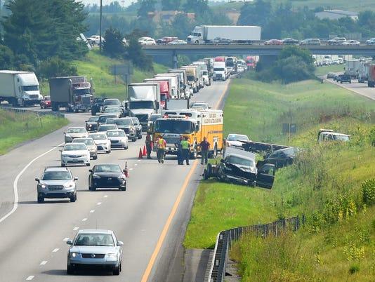 Wreck snarls traffic in I-81