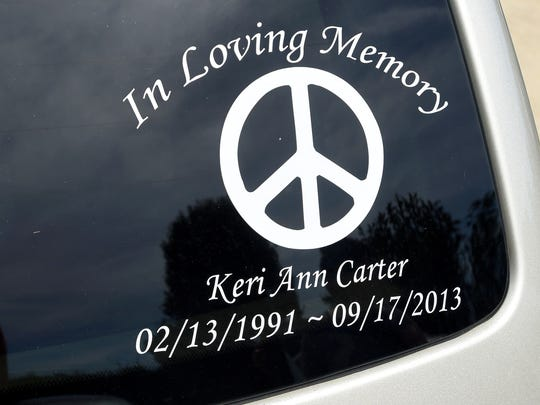 Kim Sours honors the memory of her daughter, Keri Carter,