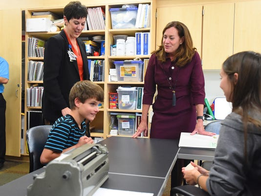 Va First Lady tours VSDB