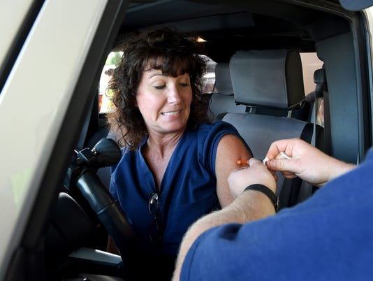 Drive-thru flu vaccination clinic