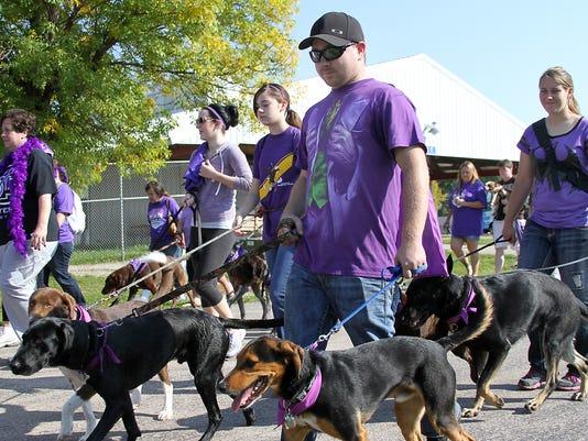 636088647882511158-OSHBrd-09-28-2014-Northwestern-1-A003--2014-09-27-IMG-OSH-Dog-Walk-092714-1-1-KO8LQO77-L491813031-IMG-OSH-Dog-Walk-092714-1-1-KO8LQO77.jpg