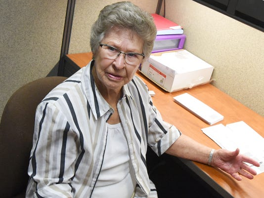 Audrey Bibb volunteers for hospice at 90