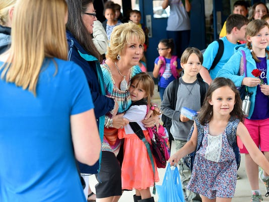 Beverley Manor Elementary says goodbye