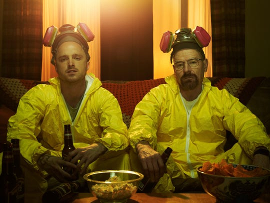 Jesse Pinkman (left Aaron Paul) and Walter White (Bryan