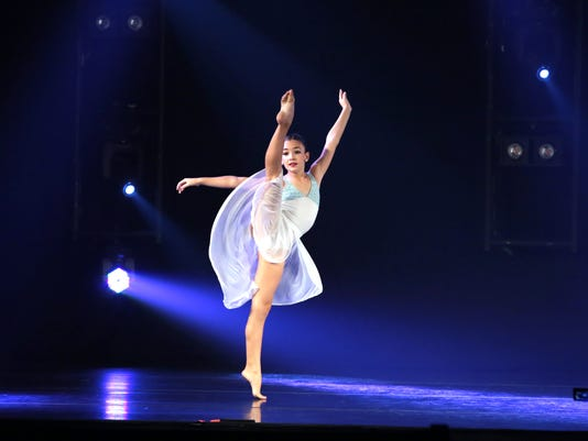 636461607620987987-dance4.jpg