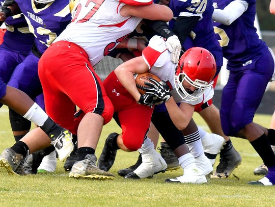 Riverheads' Devin Morris had to go low to squeeze through