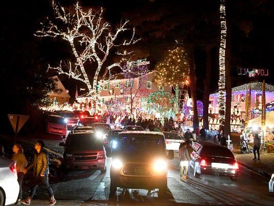 The Great Christmas Light Fight house near Richmond