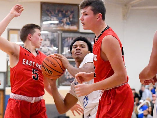 Robert E. Lee's Isaiah Elliston comes away with the