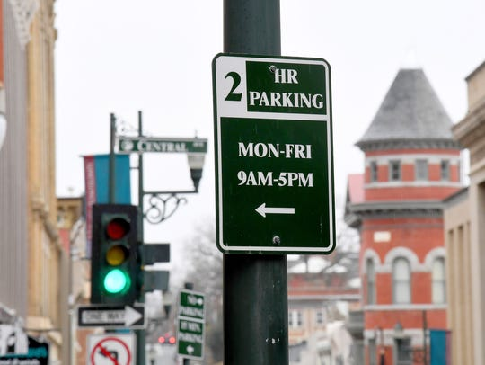 A sign marks 2-hour parking along West Beverley Street