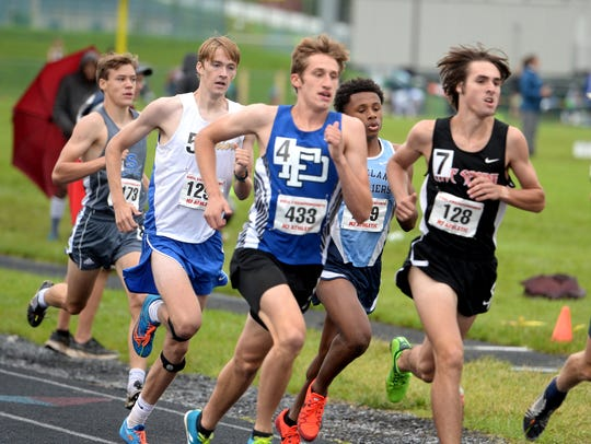 Fort Defiance's Jacob Jones won the 3,200-meter run