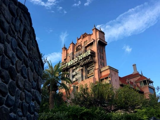 The Twilight Zone Tower of Terror is a drop tower dark