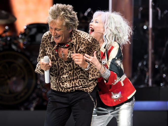 Rod Stewart and Cyndi Lauper perform at Bridgestone