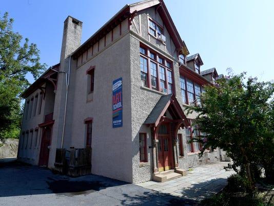 Stonewall Jackson Schoolhouse building