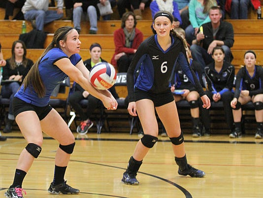 635503093813440008-OSH-West-Volleyball-Semifinal-vs-Manitowoc-10301408