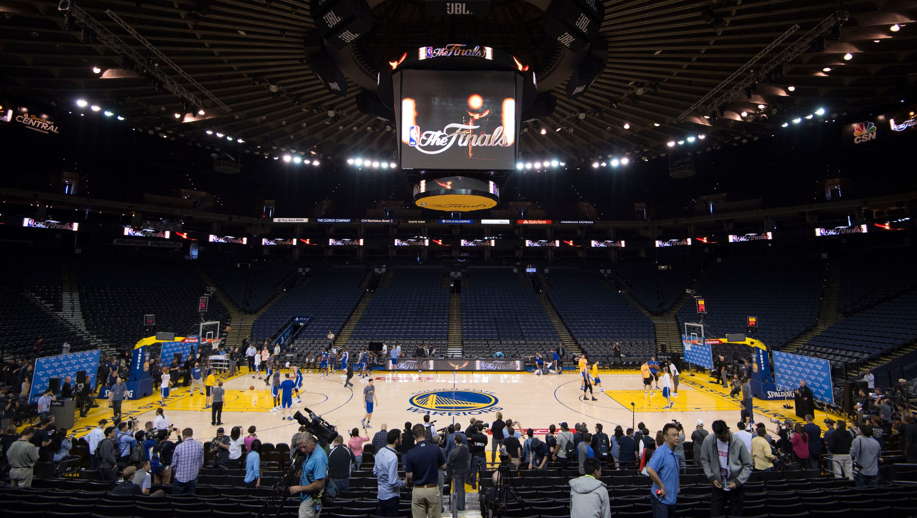 NBA Finals: Live updates, highlights from Game 1