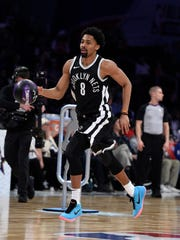 Brooklyn Nets' Spencer Dinwiddie dribbles during the NBA All-Star basketball Skills Challenge, Saturday, Feb. 17, 2018, in Los Angeles. Dinwiddie won the event. (AP Photo/Chris Pizzello)