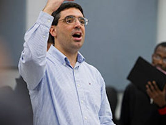 Dennis Malfatti will be conducting two different concerts in the coming days for the Evansville Bach Singers and the University Choir for UE.