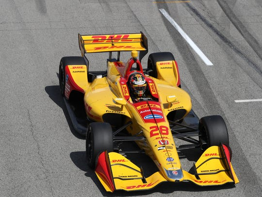 Hunter-Reay turned the fastest lap(1:00.8969) of the dayon the 1.8-mile, 14-turn temporary circuit in Friday's second session.
