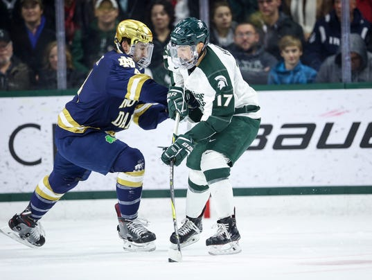 636478526216040689-12.02.17-msu-hockey-vs-notredame-0018.JPG