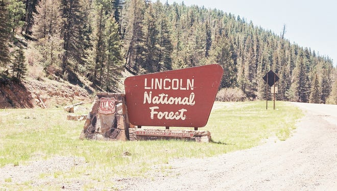 A sign welcoming you to Lincoln National Forest.