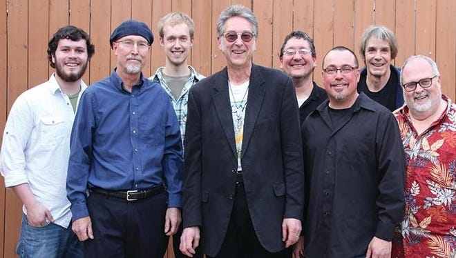 Bob Dorr and The Blue Band, a 36-year tenured Iowa group, plans to embark on a farewell tour in 2017.