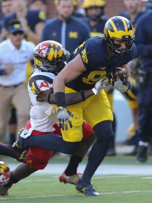 Michigan Wolverines' Jake Butt makes a catch against the Maryland Terrapins on Saturday, Nov. 5, 2016 at Michigan Stadium.