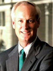 Bob Snow is retiring as El Paso market executive for Chase Bank.