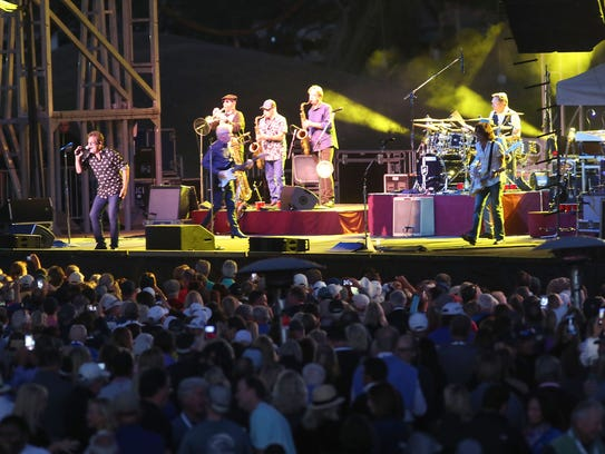 Huey Lewis and The News play at PGA West in La Quinta,