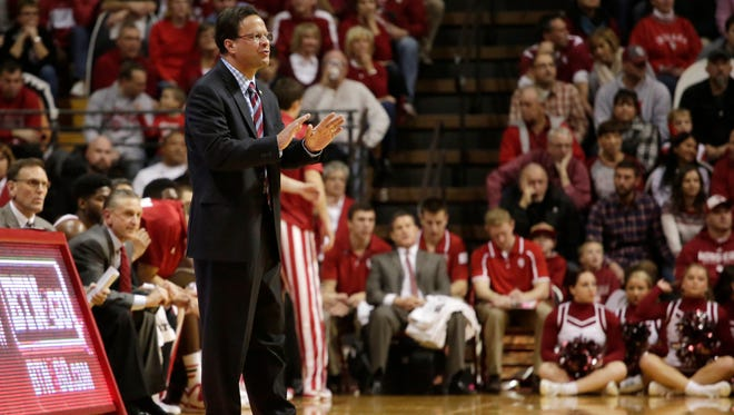 Indiana coach Tom Crean speaks to his players during a NCAA men's basketball game on Friday, Nov. 28, 2014, at Assembly Hall in Bloomington. (James Brosher / For The Star)