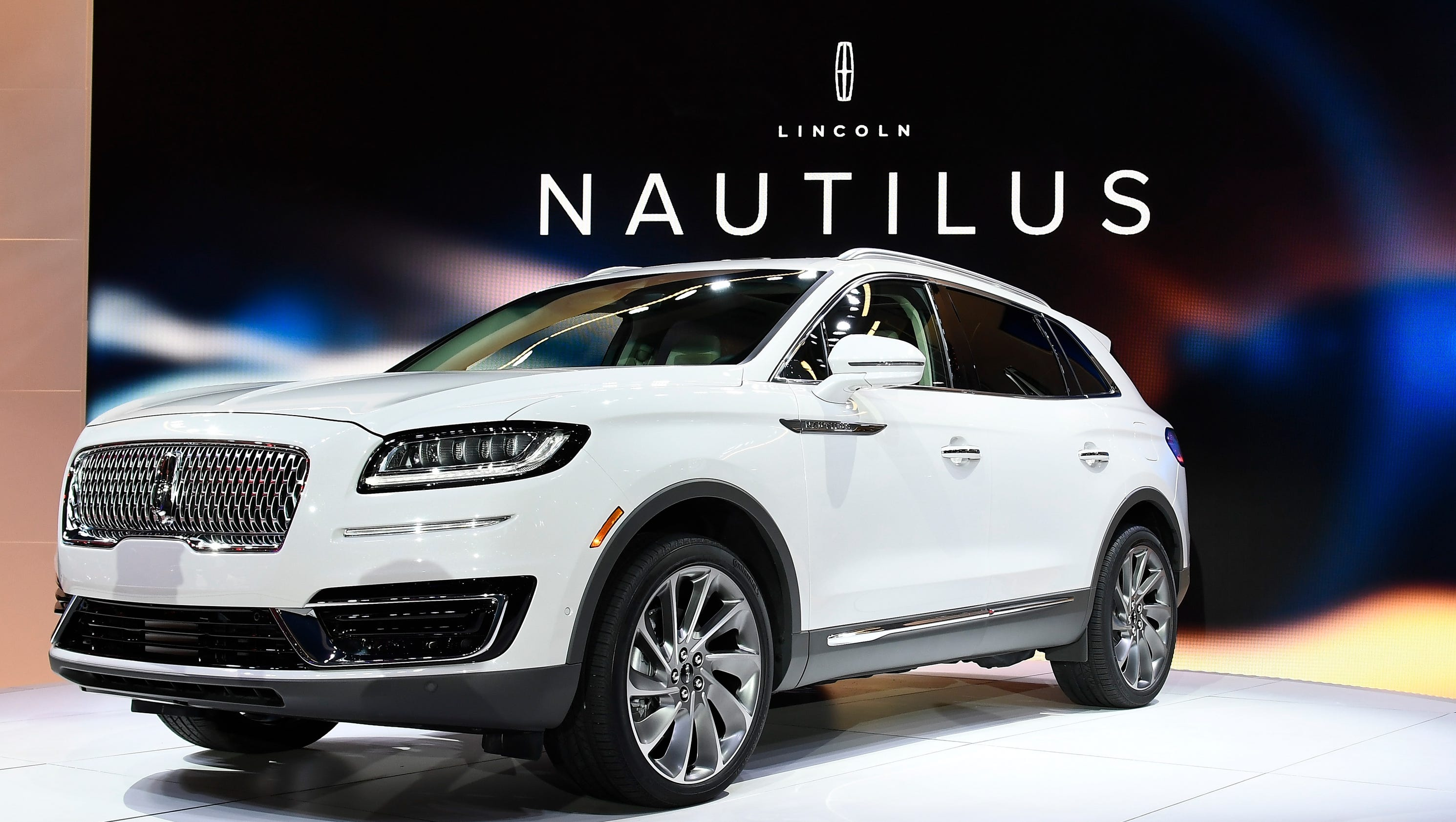 lincoln mkx suv becomes the nautilus. Black Bedroom Furniture Sets. Home Design Ideas