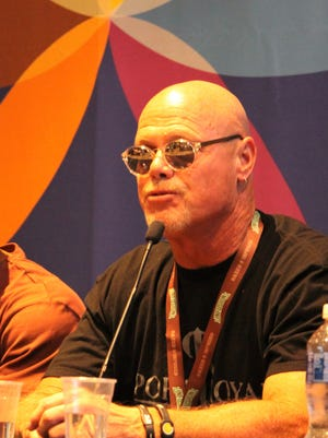 Former Chicago bears quarterback Jim McMahon spoke at the Southwest Cannabis Convention and Expo. McMahon said he's been a cannabis advocate for 44 years.