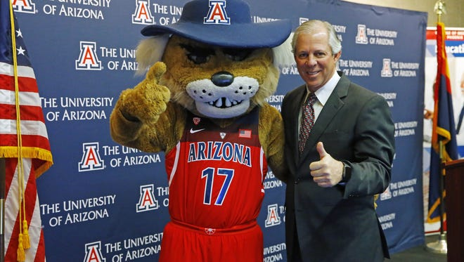Dr. Robert Robbins doesn't want to see Sean Miller leave the University of Arizona.
