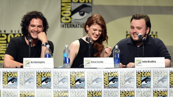 Rose Leslie is all smiles with her colleagues, Kit