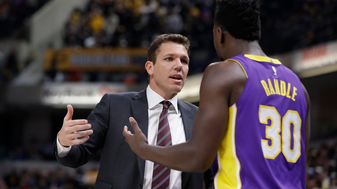 Oladipo helps Pacers rally past Lakers 110-100