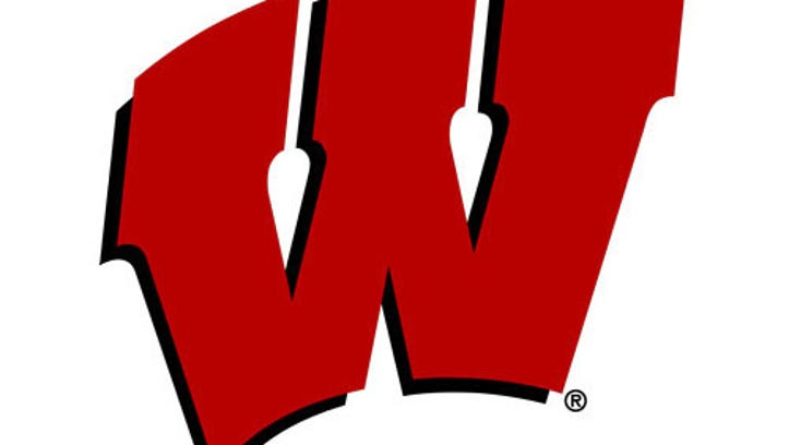 Top quarterback recruit sticking with commitment to Wisconsin