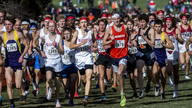 The Illinois High School Association on Monday approved a modified state series plan, allowing the four fall sports -- cross country, golf, tennis and swimming and diving -- to hold regionalized events the week of Oct. 19-25.
