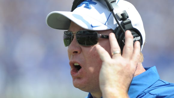 Mark Stoops has a shortage of receivers because of injuries.