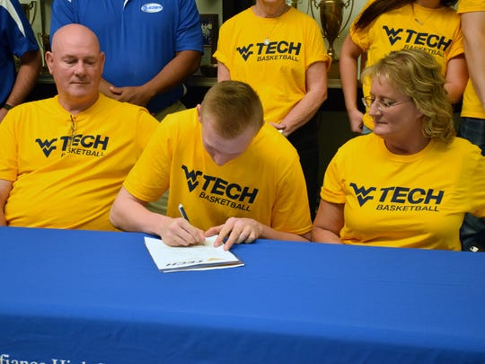 Fort Defiance's Josh Whelan signs his letter of intent
