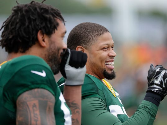 Nick Perry, Julius Peppers