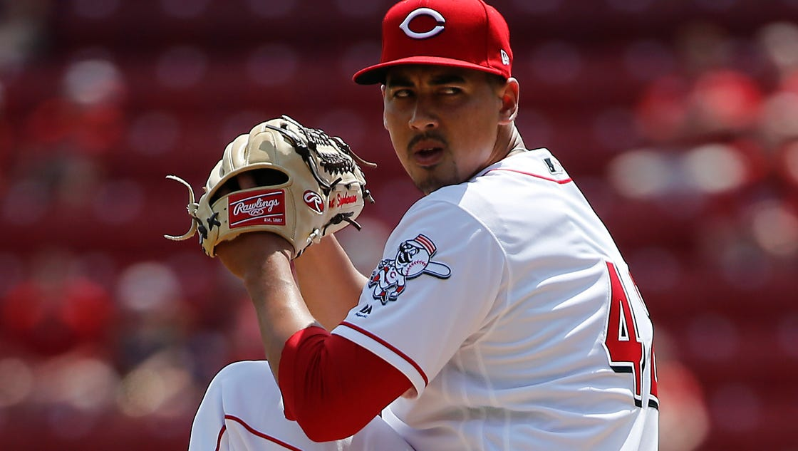 636286374608208449-041517-brewers-reds-272