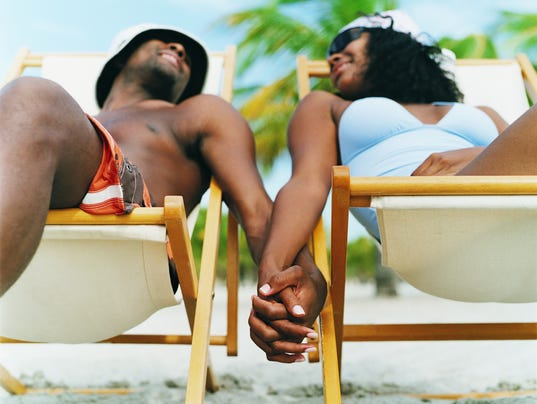 Vacationships: These couples only meet up on the road