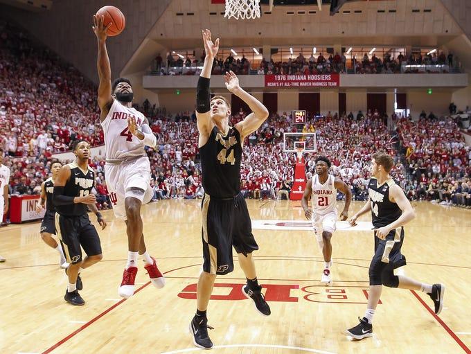Indiana Hoosiers guard Robert Johnson (4) shoots the