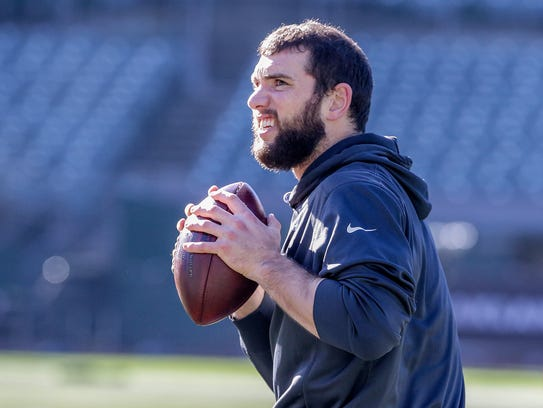 Indianapolis Colts quarterback Andrew Luck (12) warms